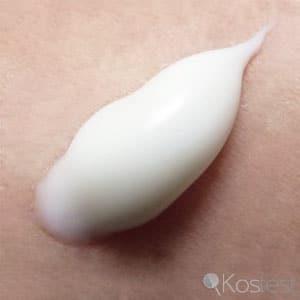 Texture lait soin démaquillant